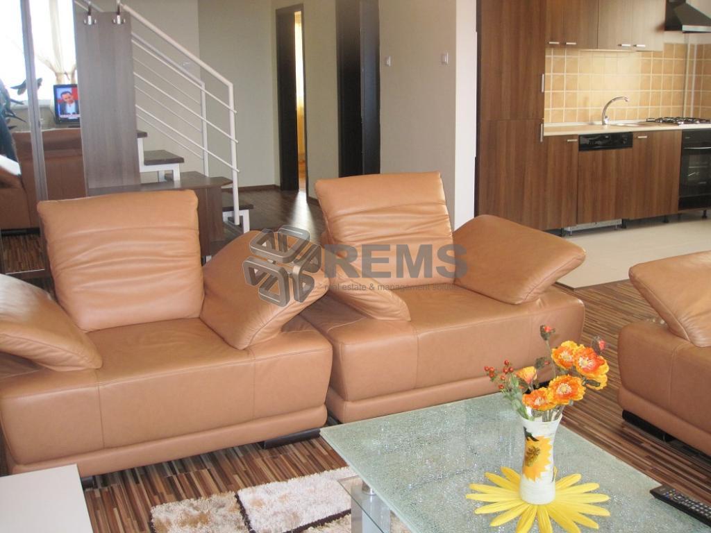 Apartament de 5 camere lux in Andrei Muresanu