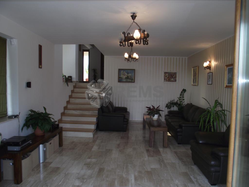Casa deosebita de vanzare in Andrei Muresanu