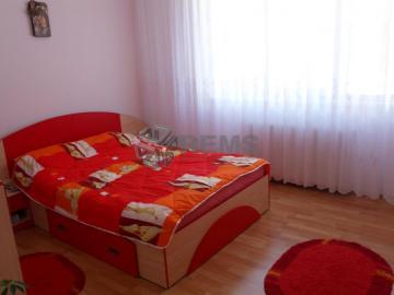 Apartament cu 4 camere in Manastur - zona de case