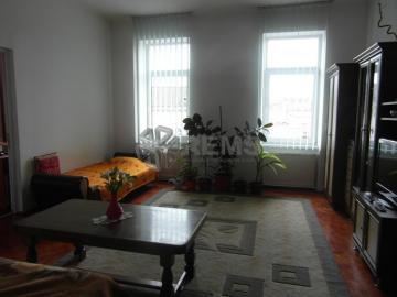 Apartament cu 2 camere in Centru, zona magazin Sora, ideal birou