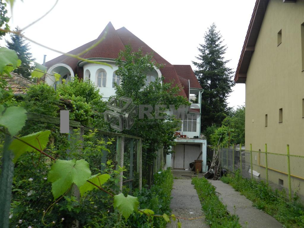 Casa de vanzare in Gheorgheni-ideal sediu firma