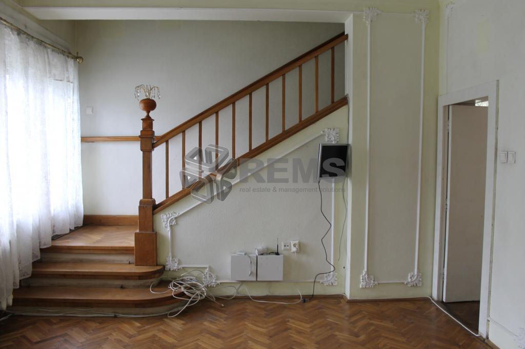 Casa 5 camere 300 mp + 2500 mp teren in zona Hotel Napoca