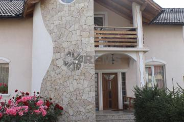 Casa 5 camere + teren 1000mp in Europa