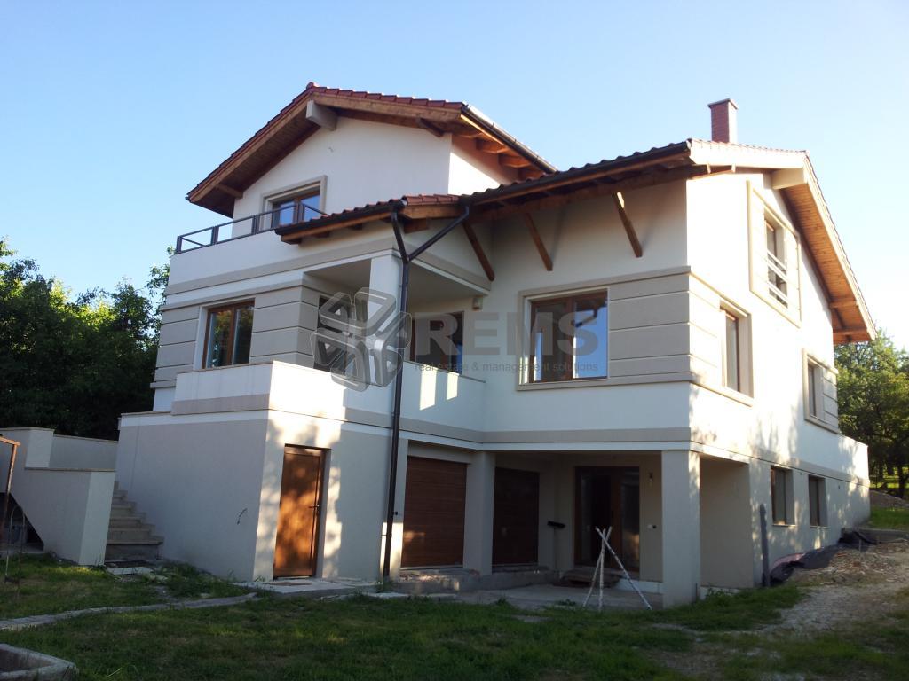 Casa individuala de vanzare in zona Pietei Engels