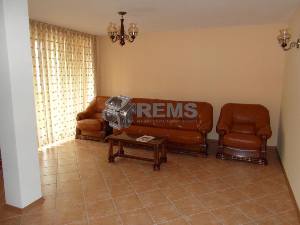 Apartament 3 camere 115 mp lux in Andrei Muresanu