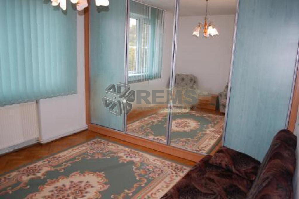 Apartament cu 2 camere in Grigorescu, 65 mp, garaj, zona de case