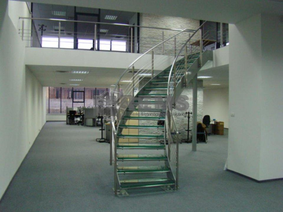 Cladire de birouri singulara / Posibilitate divizare