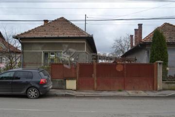Casa veche cu teren generos in Someseni
