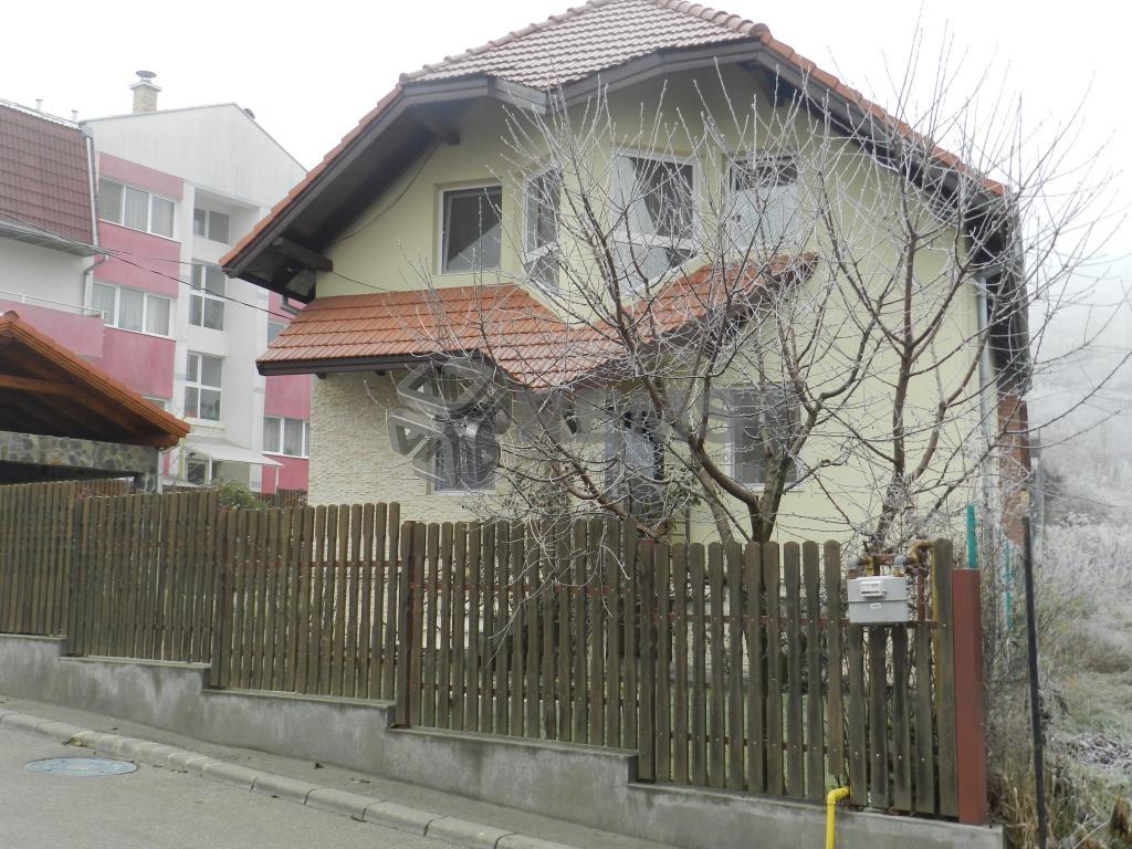 Casa de vanzare in Manastur zona Campului