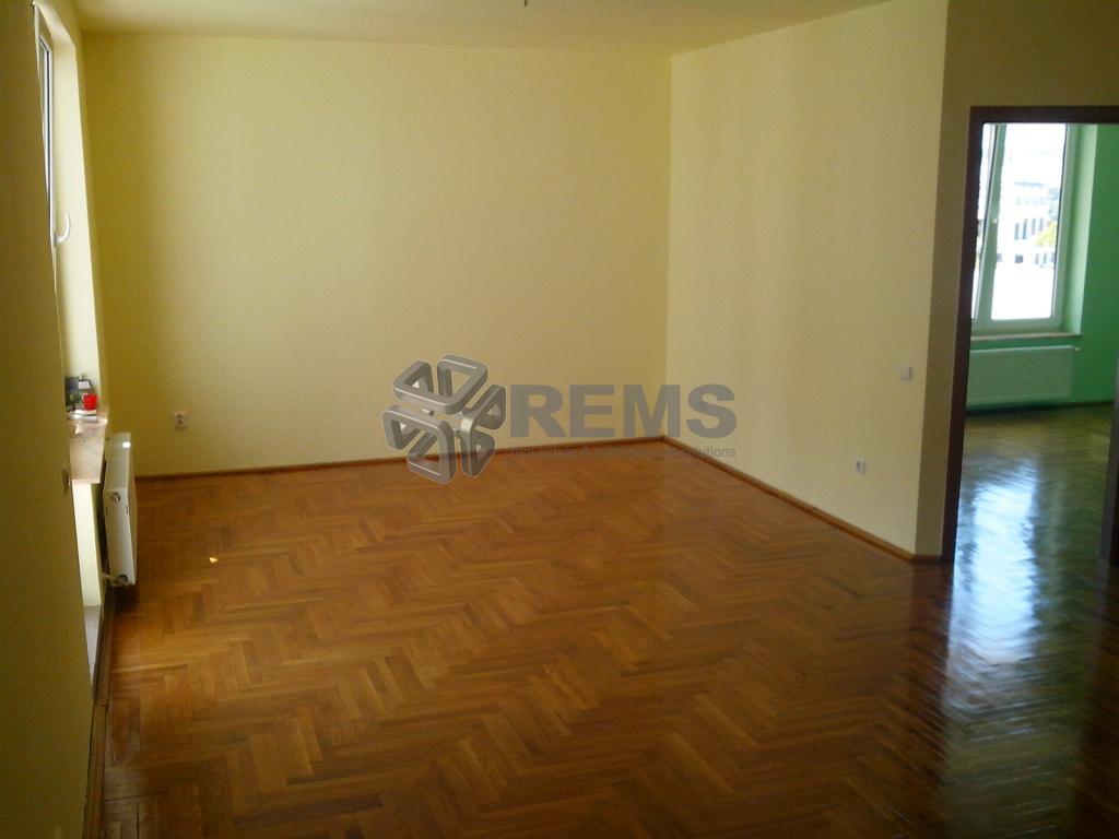 Apartament cu 2 camere ultracentral, zona strazii Cuza Voda, 110 mp