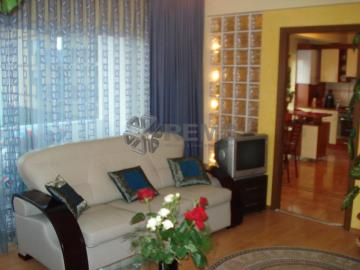 Apartament cu 3 camere in Buna Ziua - zona Oncos