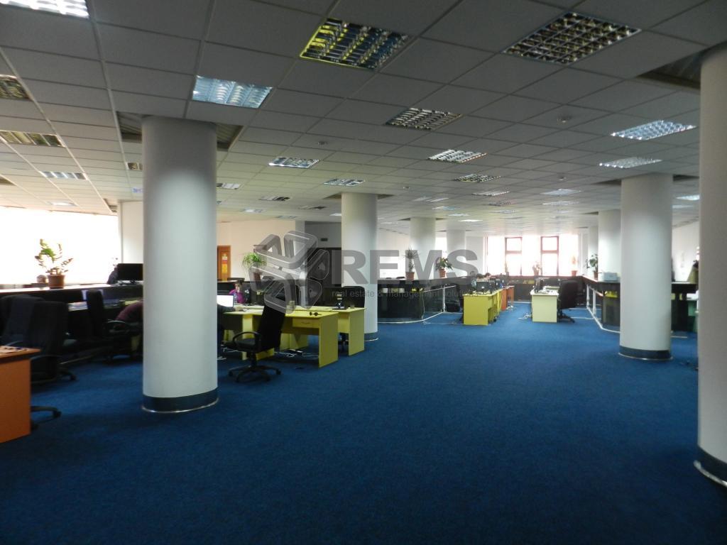 Spatiu birou Clasa A in  centru business/ Pozitie centrala