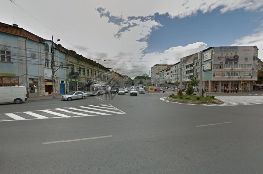 Ultracentral, zona intens circulata - spatiu cu vitrina si acces din strada