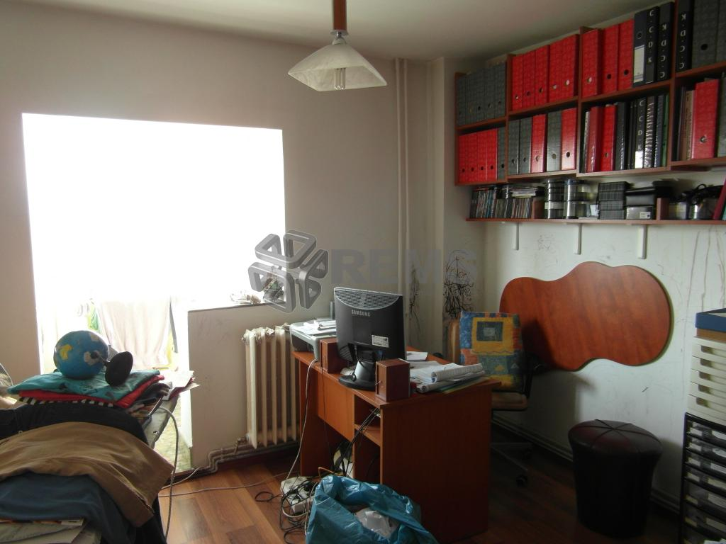 Apartament 4 camere in Marasti, zona Aurel Vlaicu