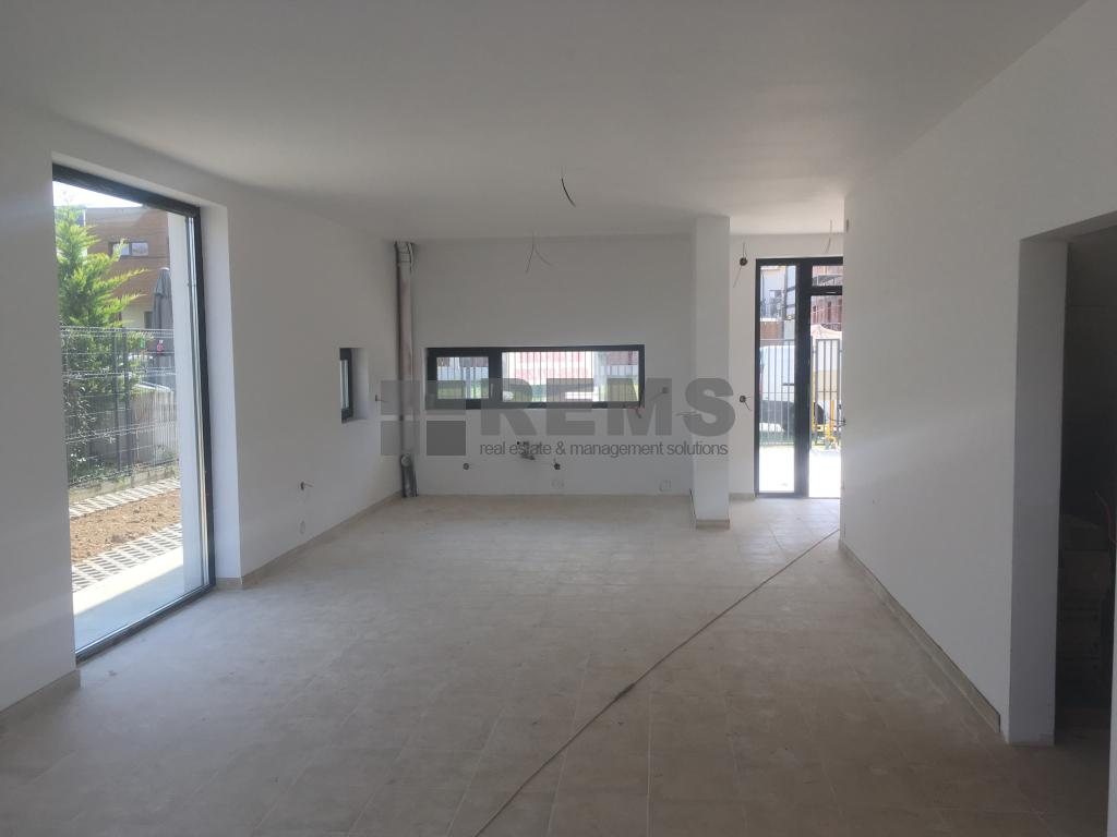 Casa 4 camere, in sistem duplex, Borhanci