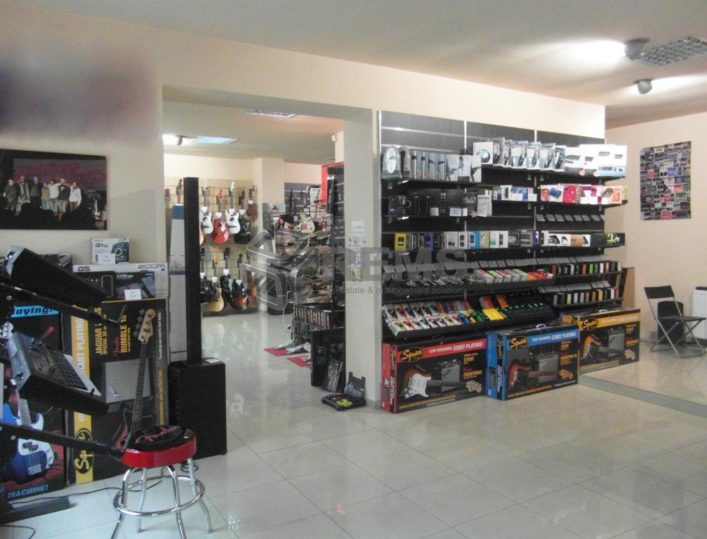 Spatiu superfinisat - showroom, magazin cu articole de lux