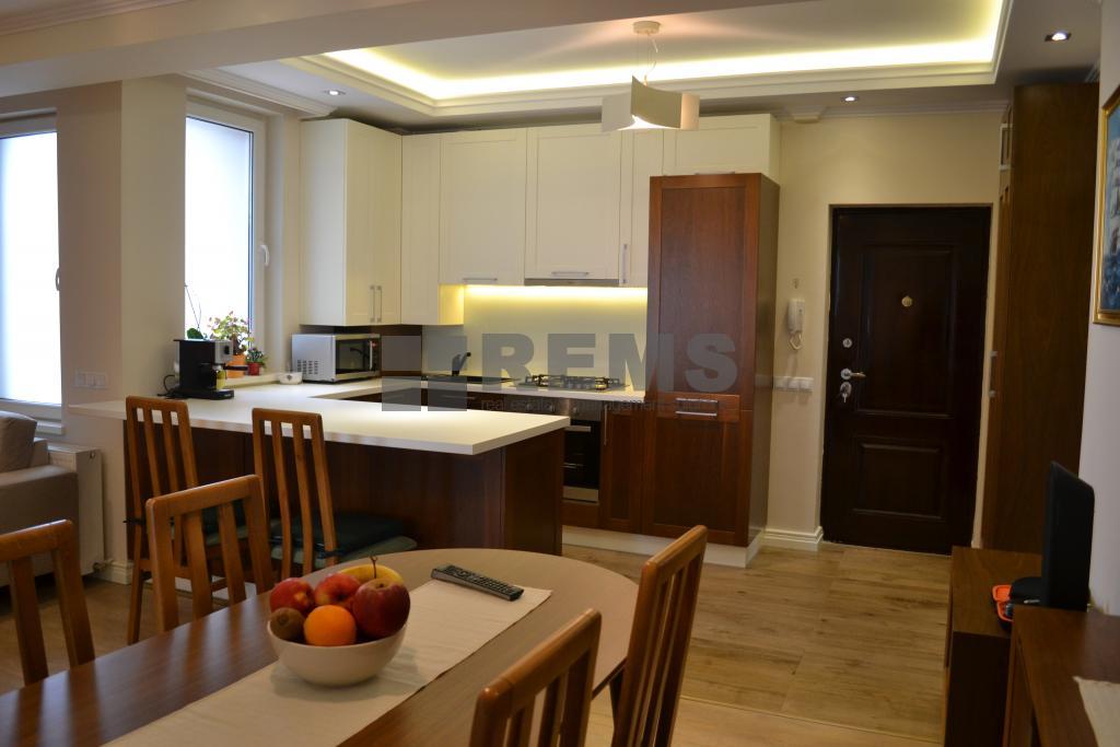 Apartament 3 camere, lux, constructie noua, loc parcare subteran zona Traian
