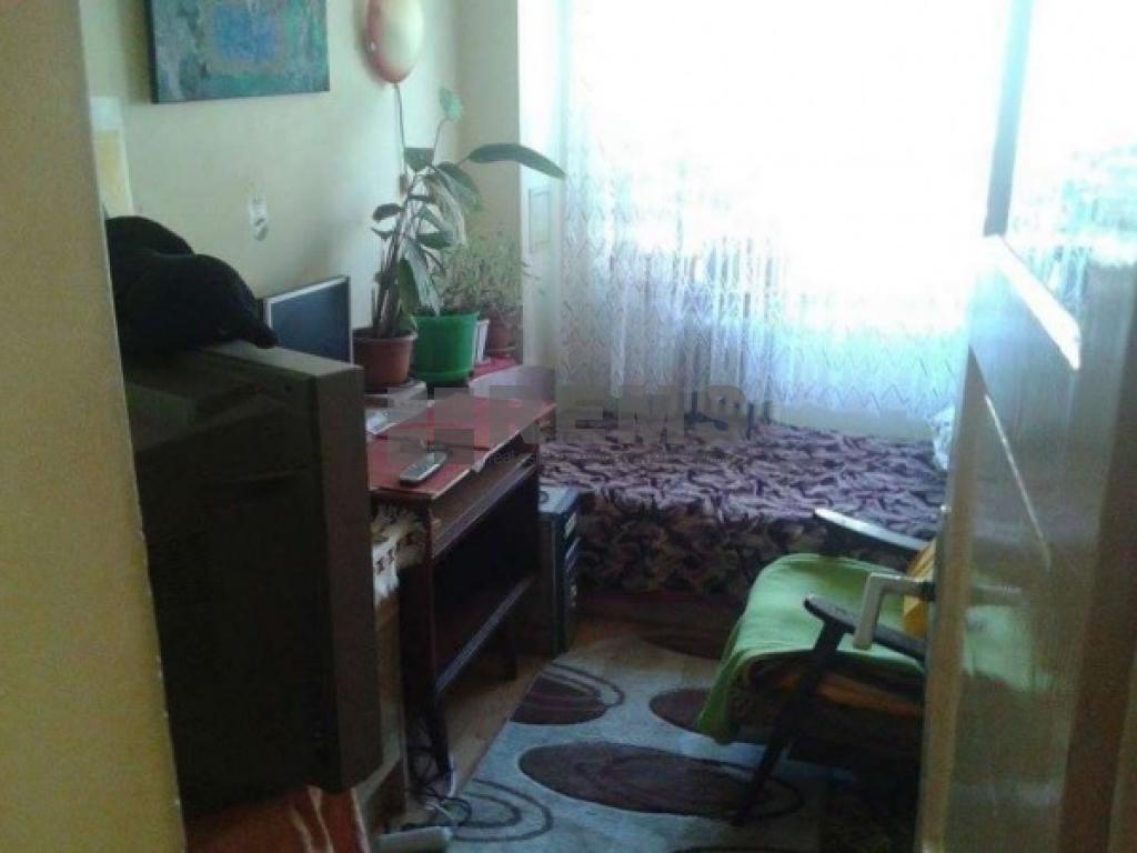 Apartament cu 3 camere in Centru, zona strazii Horea, 57 mp, decomandat, garaj