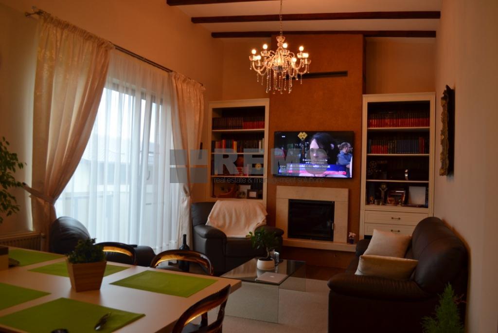 Apartament de lux, 4 camere, in vila, Europa