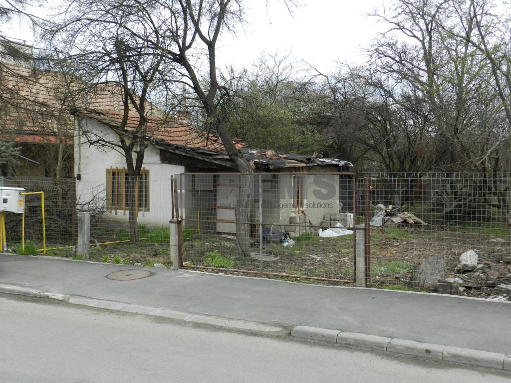 Teren de vanzare in Andrei Muresanu-zona de case