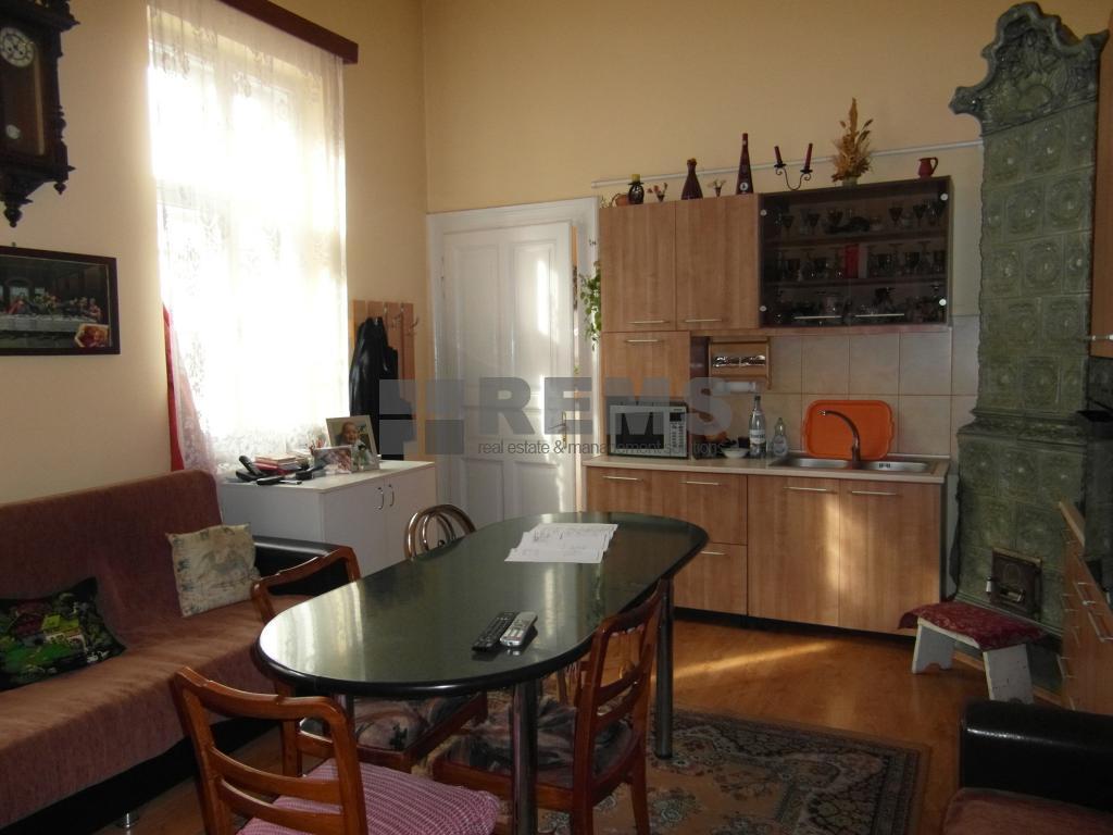 Apartament cu 3 camere in Centru, zona piata Unirii , 75 mp
