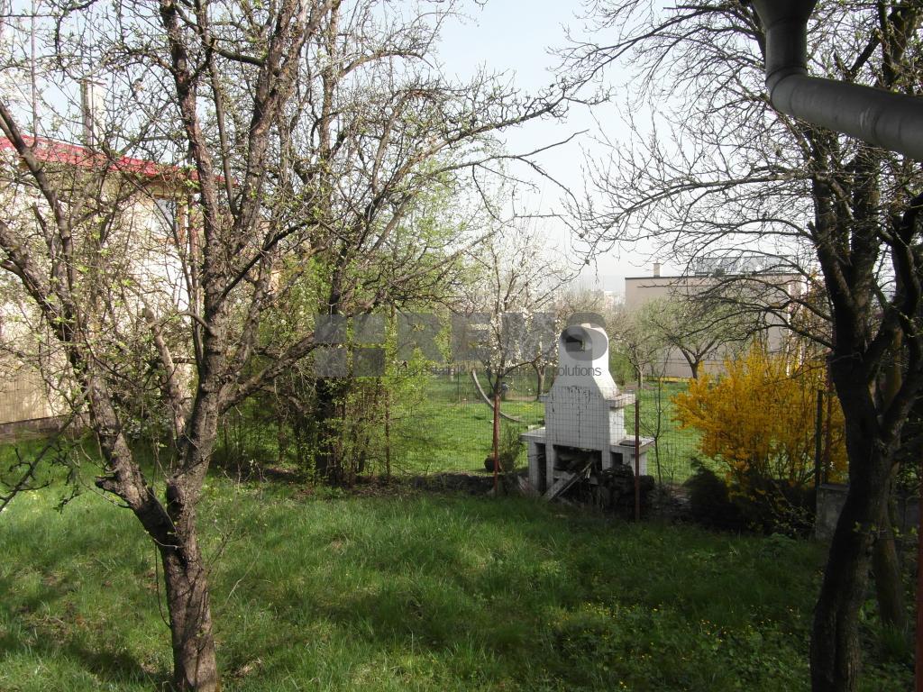 Teren cu casa de vanzare in cartierul Andrei Muresanu