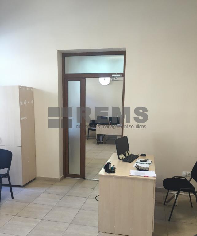 Sediu Birou / Showroom in zona centrala, cu loc de parcare