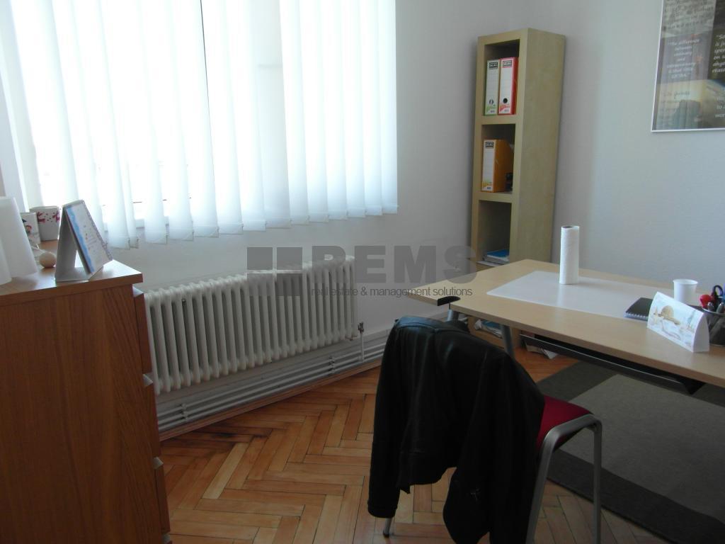 Apartament cu 3 camere in Centru, zona strazii Horea , 65 mp