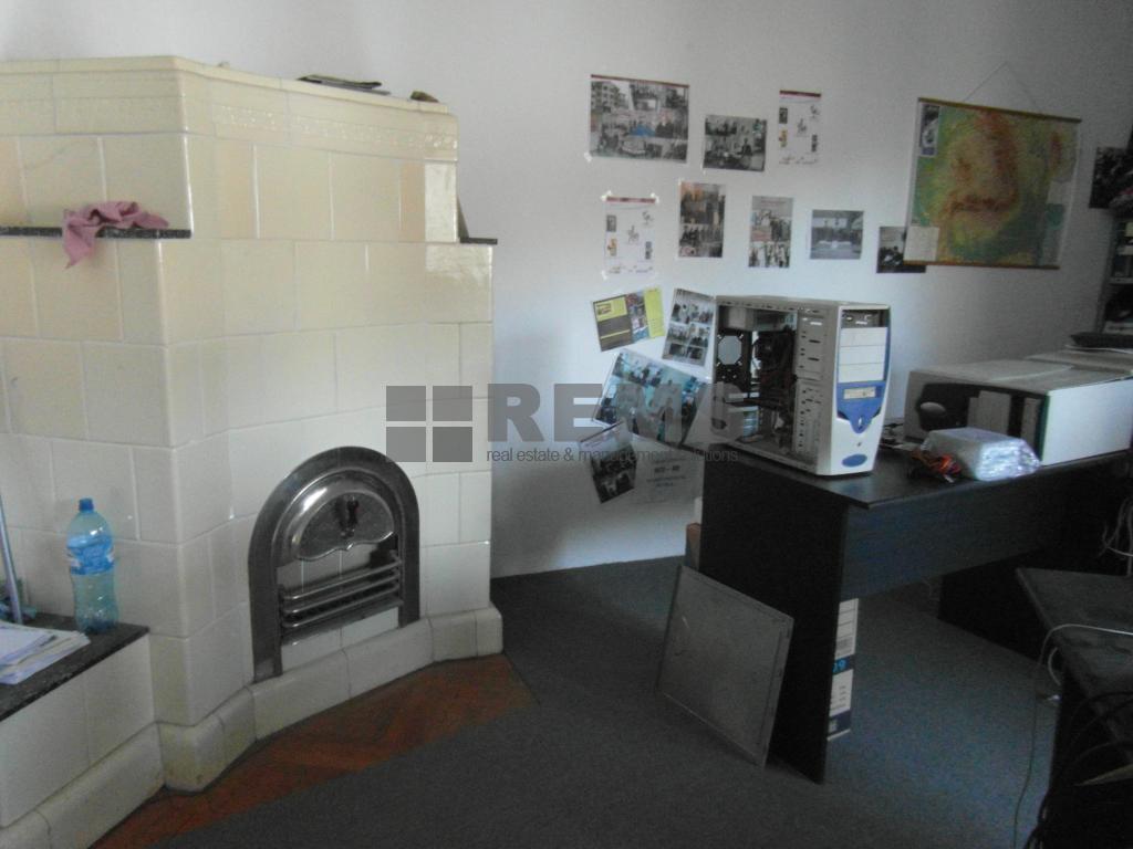 Apartament cu 3 camere in Centru, zona p-ta Muzeului, 104 mp
