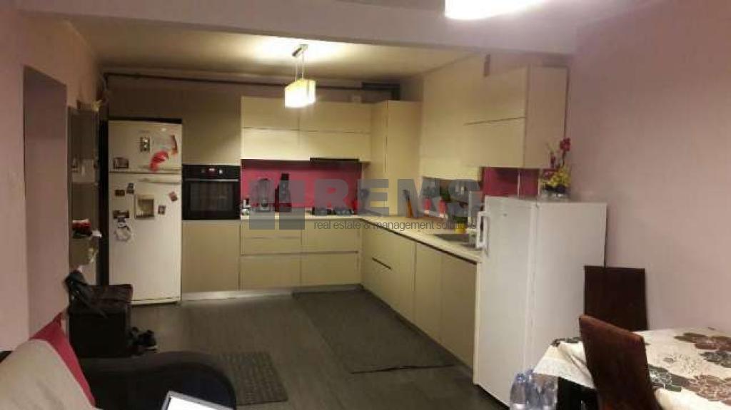 Apartament confort sporit cu scara interioara