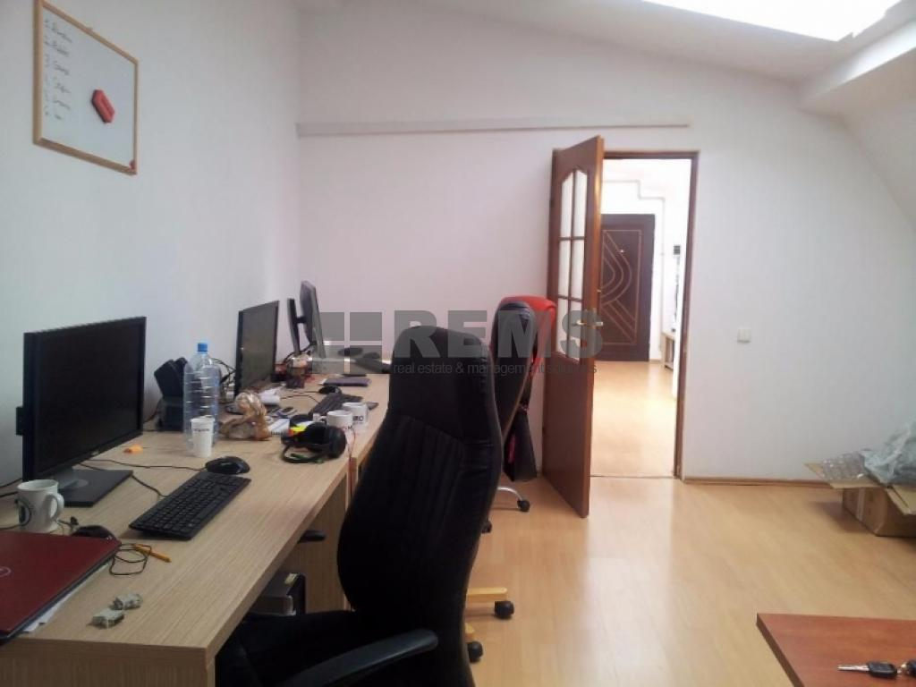 Apartament in zona semicentrala
