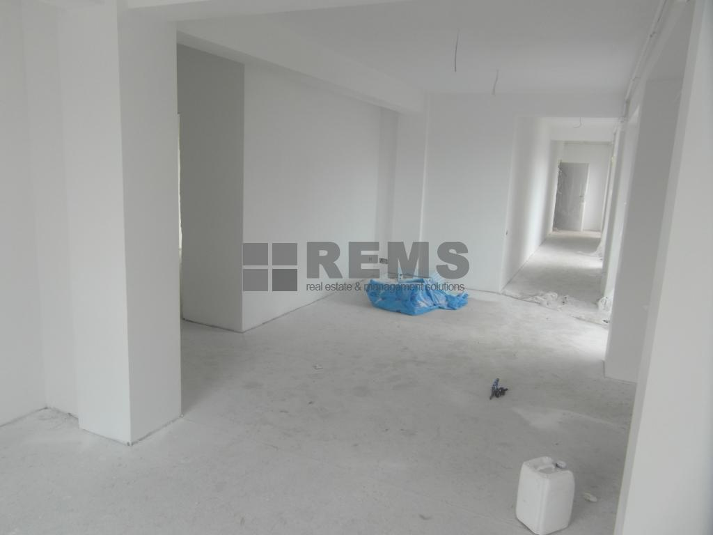 Apartament constructie noua in zona foarte buna