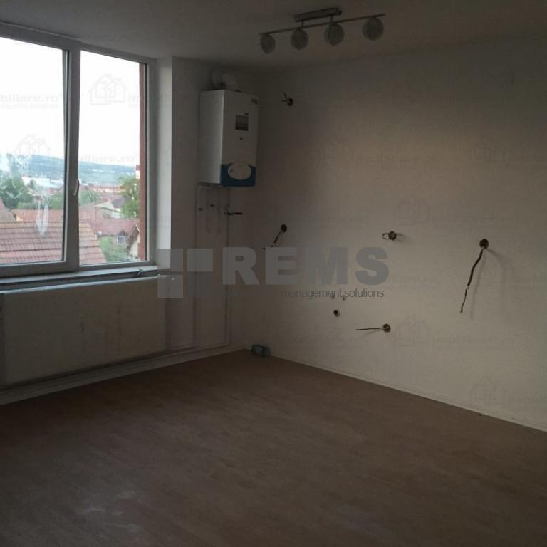 Apartament la etaj intermediar in zona accesibila