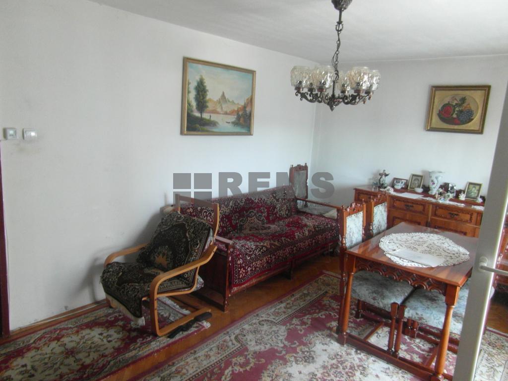 Apartament 4 camere decomandat, etaj intermediar, 80 mp,parcare
