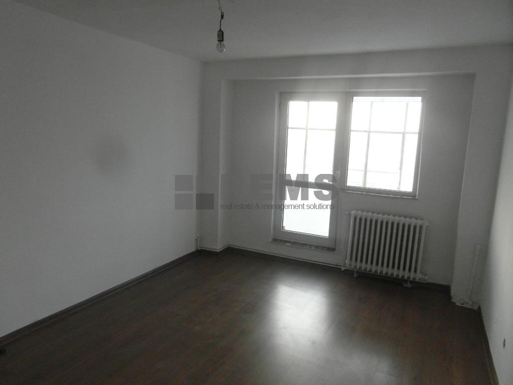 Apartament decomandat, garaj, zona Dorobantilor