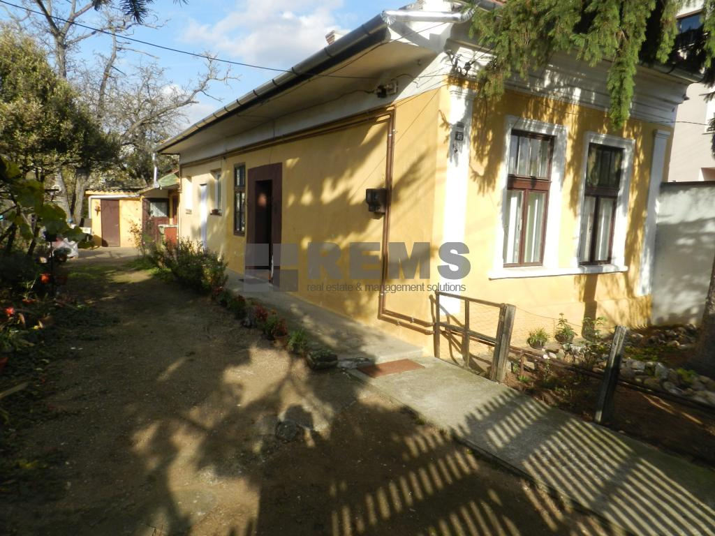 Casa veche in Gheorgheni cu teren generos