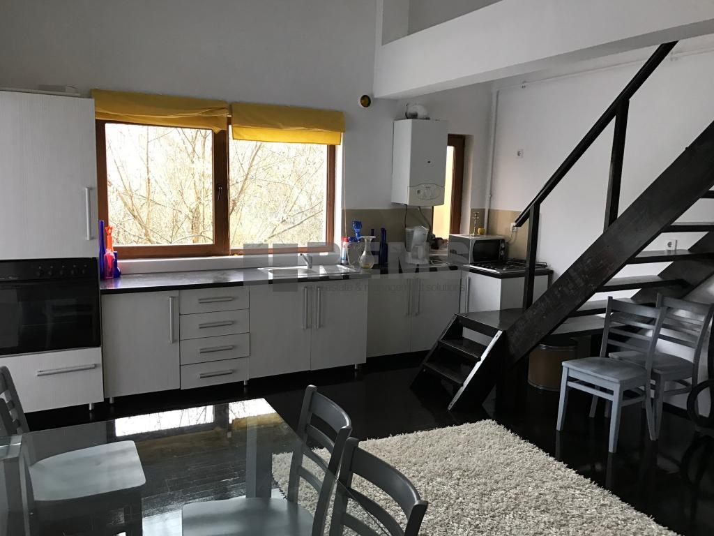 Apartament 3 camere, scara interioara, zona de case, Andrei Muresanu