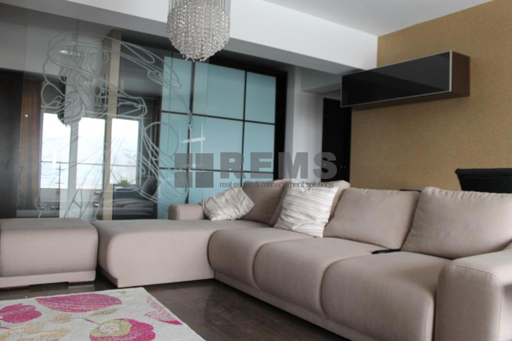 Apartament 2 camere, lux, complexul Central Park Residence