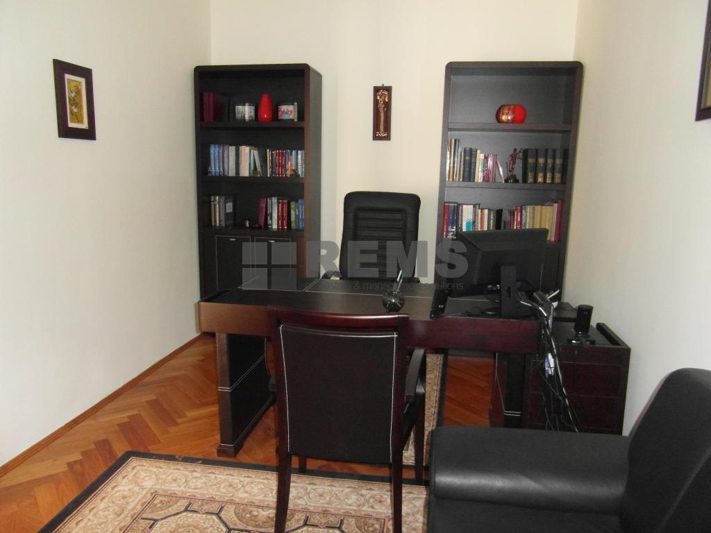 Apartament cu 1 camera in Centru, zona strazii M.Kogalniceanu, 26 mp, ideal birou
