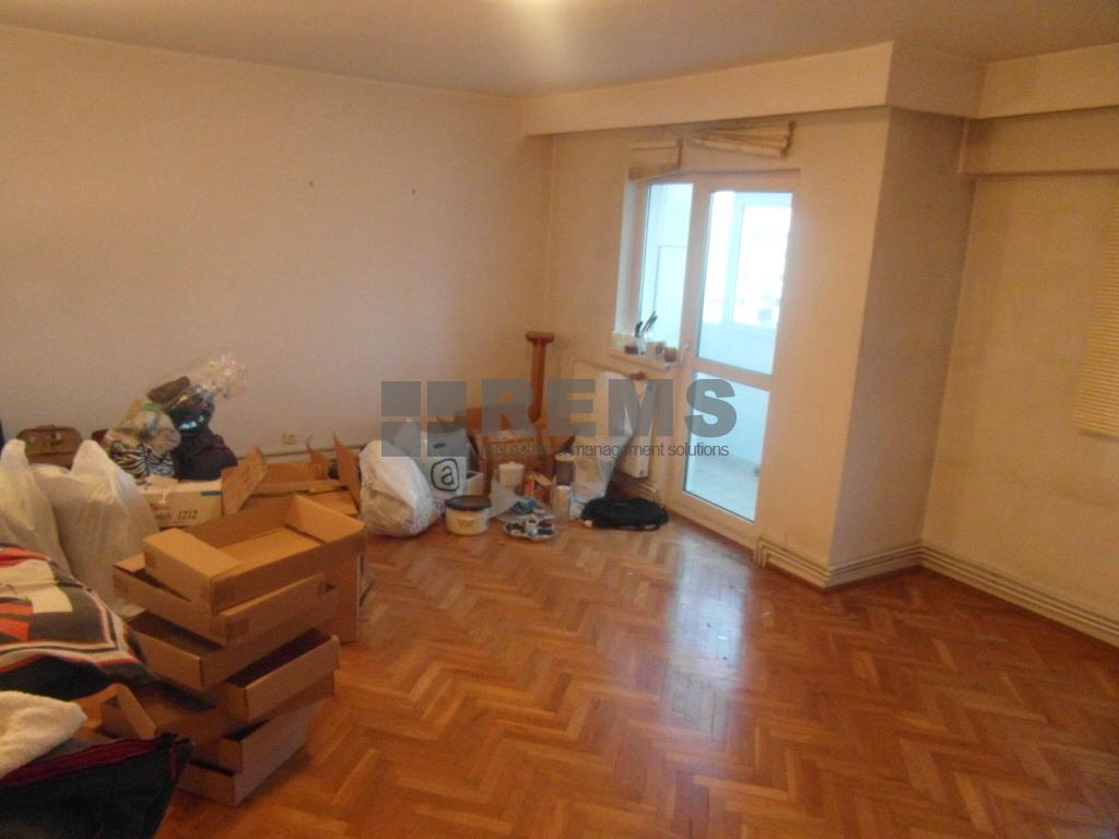 Apartament 5 camere, zona Interservisan, 110 mp, garaj