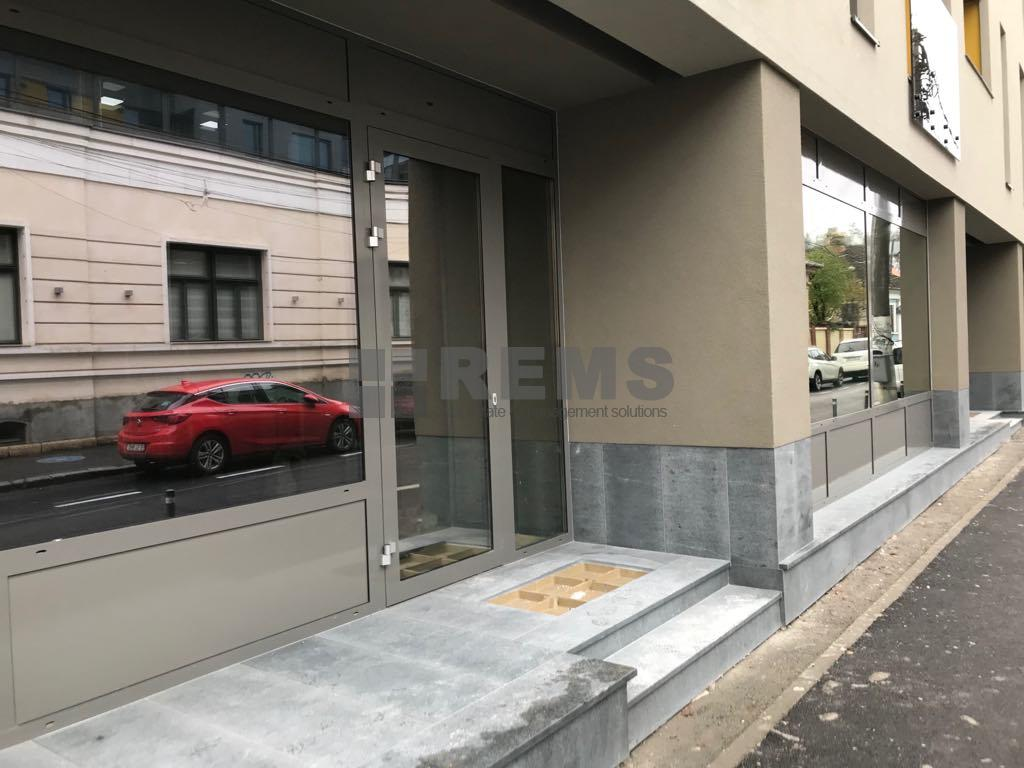 Office for rent int Centru at 4000 EURO ID: REMS 8798